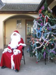 Le Père Noël à l''école Jean Moulin d'Aix en Othe